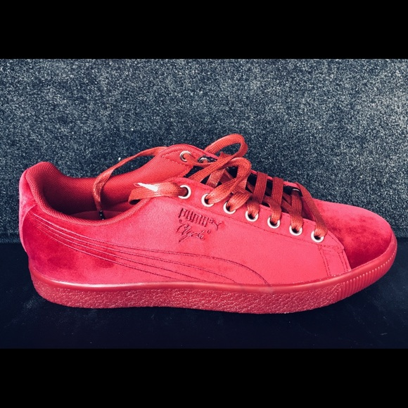huge selection of 3a2c2 a6171 CLASSIC VELVET BURGUNDY PUMA CLYDE. BRAND NEW. NWT